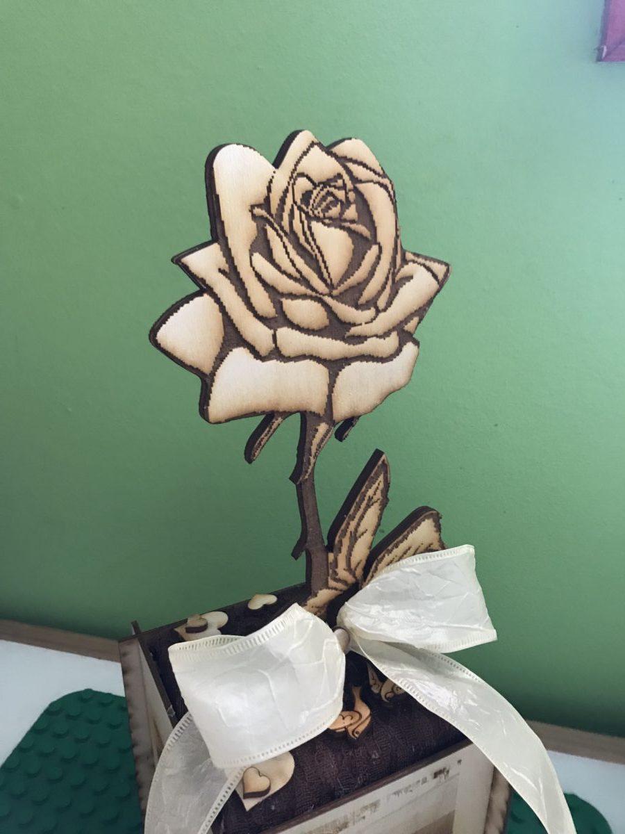Randi rózsa medál